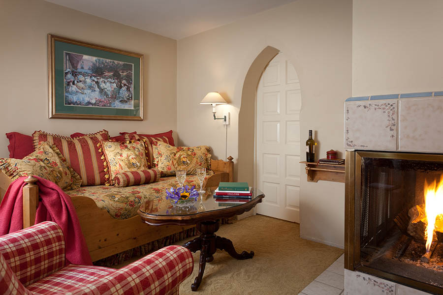 ashford suite sitting room with fireplace
