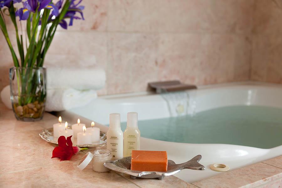 romantic suite with spa tub