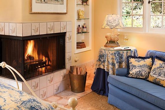 Romantic Inn In Monterey