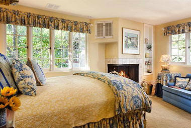 Romantic Rooms for an Engagement in Monterey